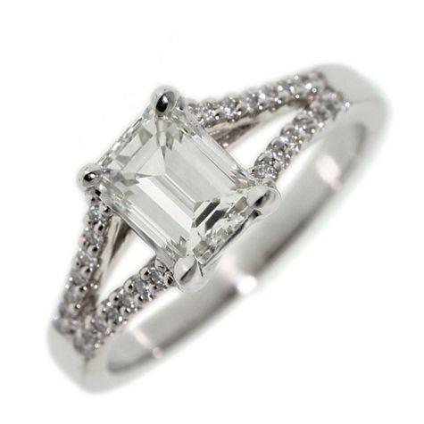 CERTIFIED - 18ct White Gold 1.36ct Diamond Set Engagement Ring