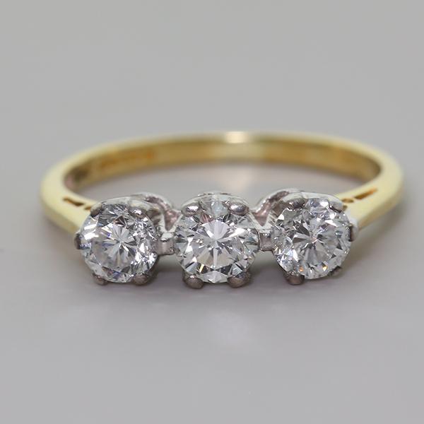Zertifiziert 18 Karat Gold 0,71 Diamant Trilogie Verlobungsring 1500 (kb24) Attraktiv Und Langlebig