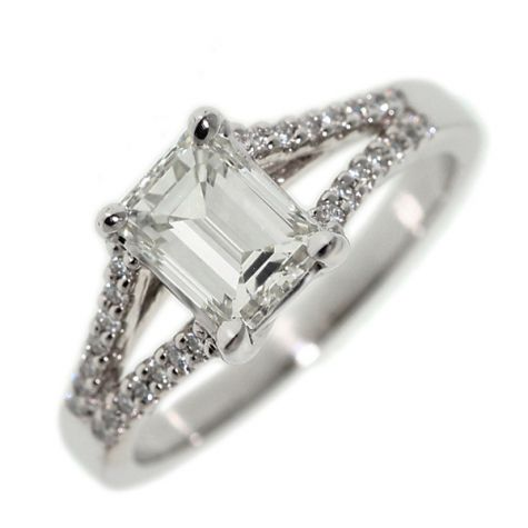 CERTIFIED - 18ct White Gold 1.36ct Diamond Set Engagement Ring