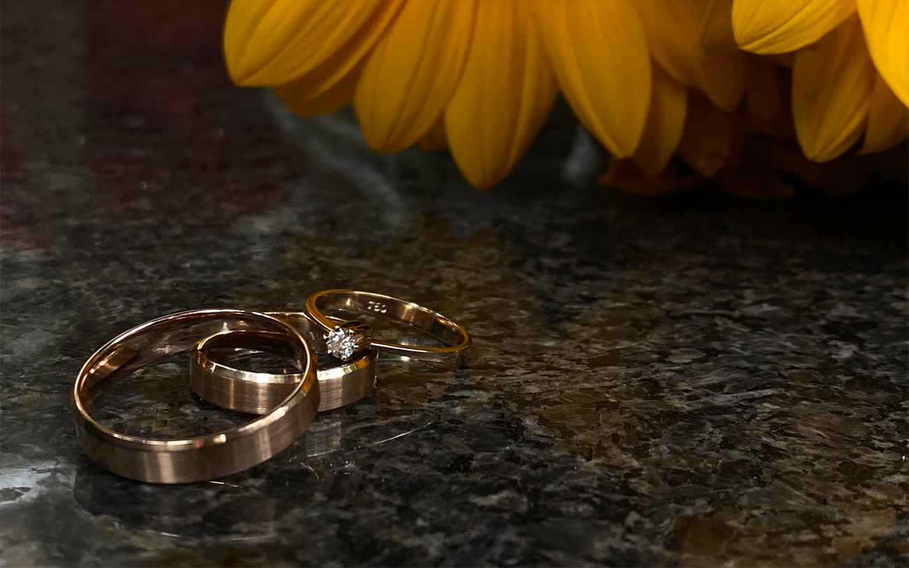 How To Buy The Perfect Gold Rings - Hatton Jewellers