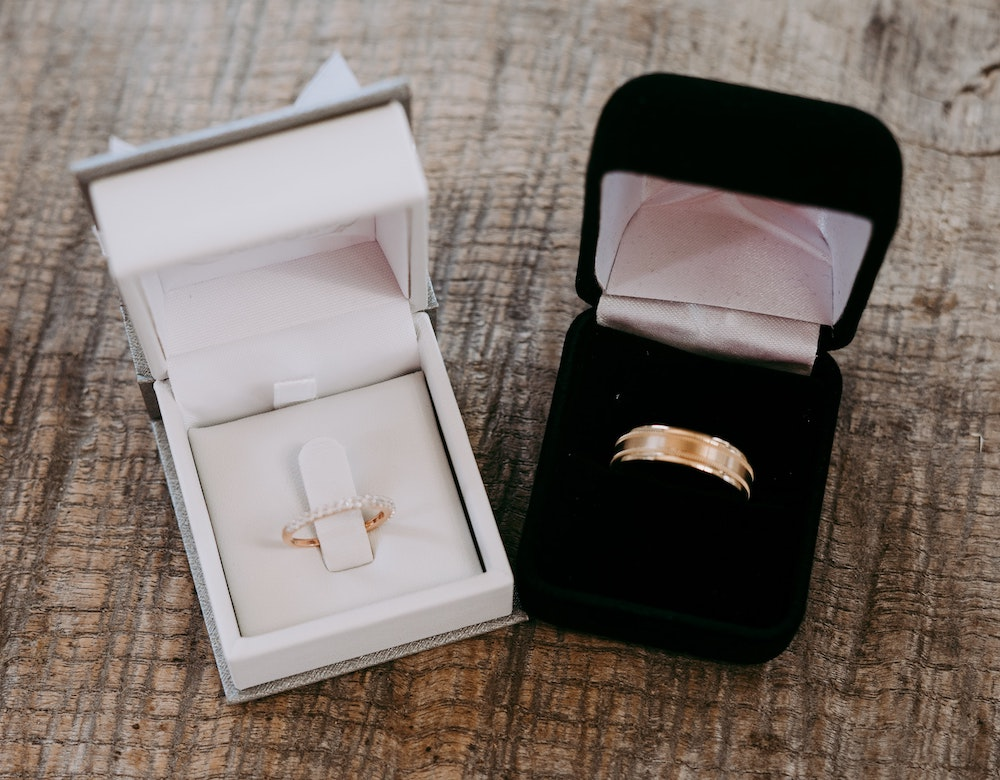 How To Look After & Care For Gold Jewellery - Hatton Jewellers